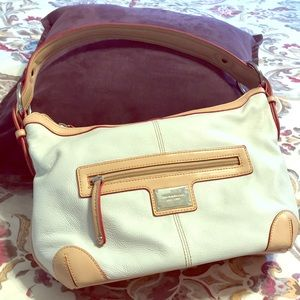 Tignanello handbag. Cream tan red. Leather.